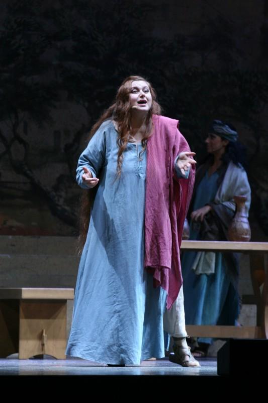 sara-pastore-durante-il-musical-maria-di-nazareth-221610_jpg_1400x0_q85.jpg