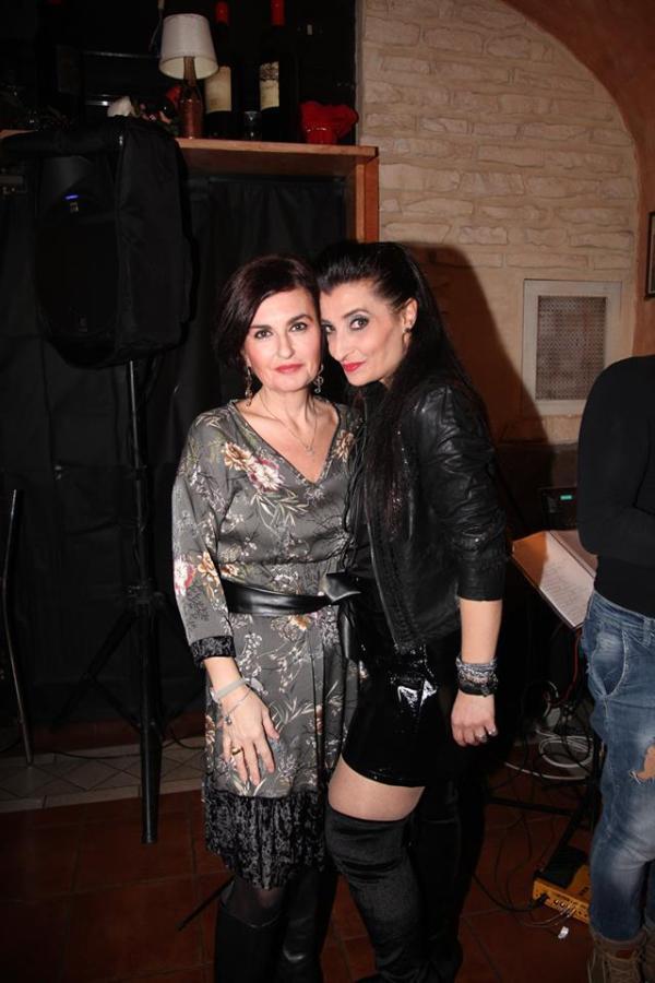 Star Elaiza e la giornalista Federica Pansadoro