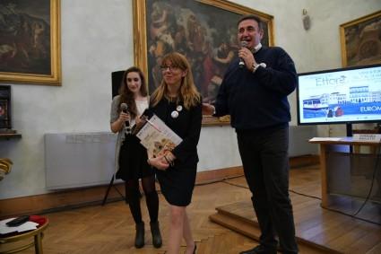 da sinistra Valentina Fontana Camilla Anselmi e Roberto Giacobbo (Copia)