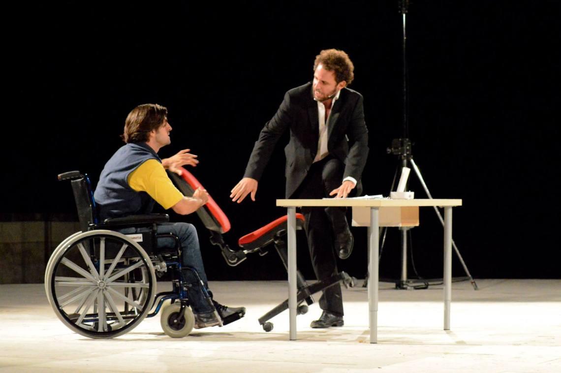 300ott_4nov_OffOffTheatre_La rivoluzione delle sedie (2)