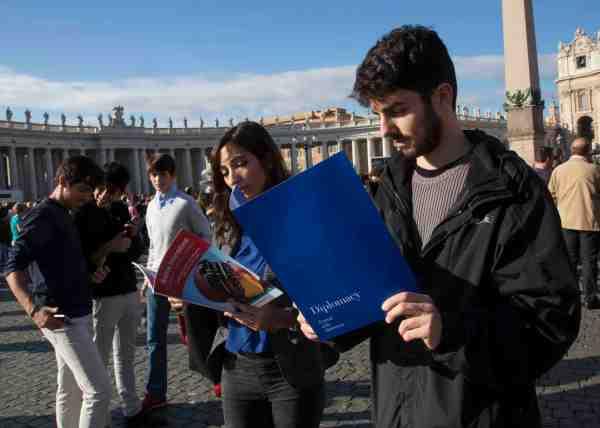 Diplomacy e giovani_San Pietro_LOW