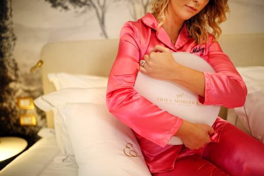 Erika Morgera indossa il pigiama della collezione#MYPIGIAMAPARTY-min (2)