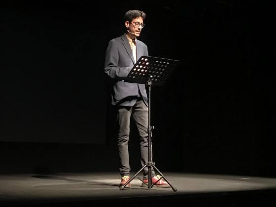 Valerio Lundini in scena_OffOff Theatre