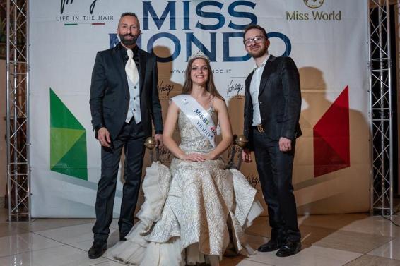 Da sx Maurizio Serafini, Diana Giometti, Erasmo Fiorentino - Ph. Luca Storelli fotografo ufficiale di Miss mondo Lazio (1)