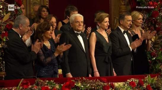 Il presidente della Repubblica Sergio Mattarella Il sindaco Beppe Sala con la compagna Chiara Bazoli