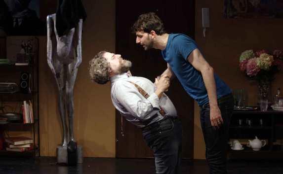 Teatro-Marconi-Un-letto-per-quattro (15)